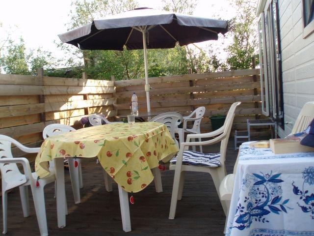mobilheim auf ameland zu vermieten f r 4 personen camping. Black Bedroom Furniture Sets. Home Design Ideas