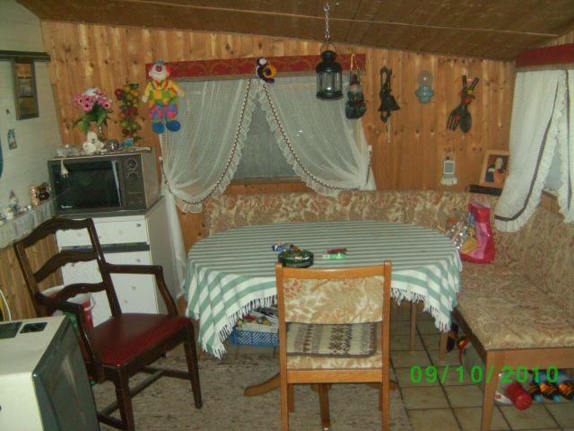 verkaufen komplett eingerichteten wohnwagen mit. Black Bedroom Furniture Sets. Home Design Ideas